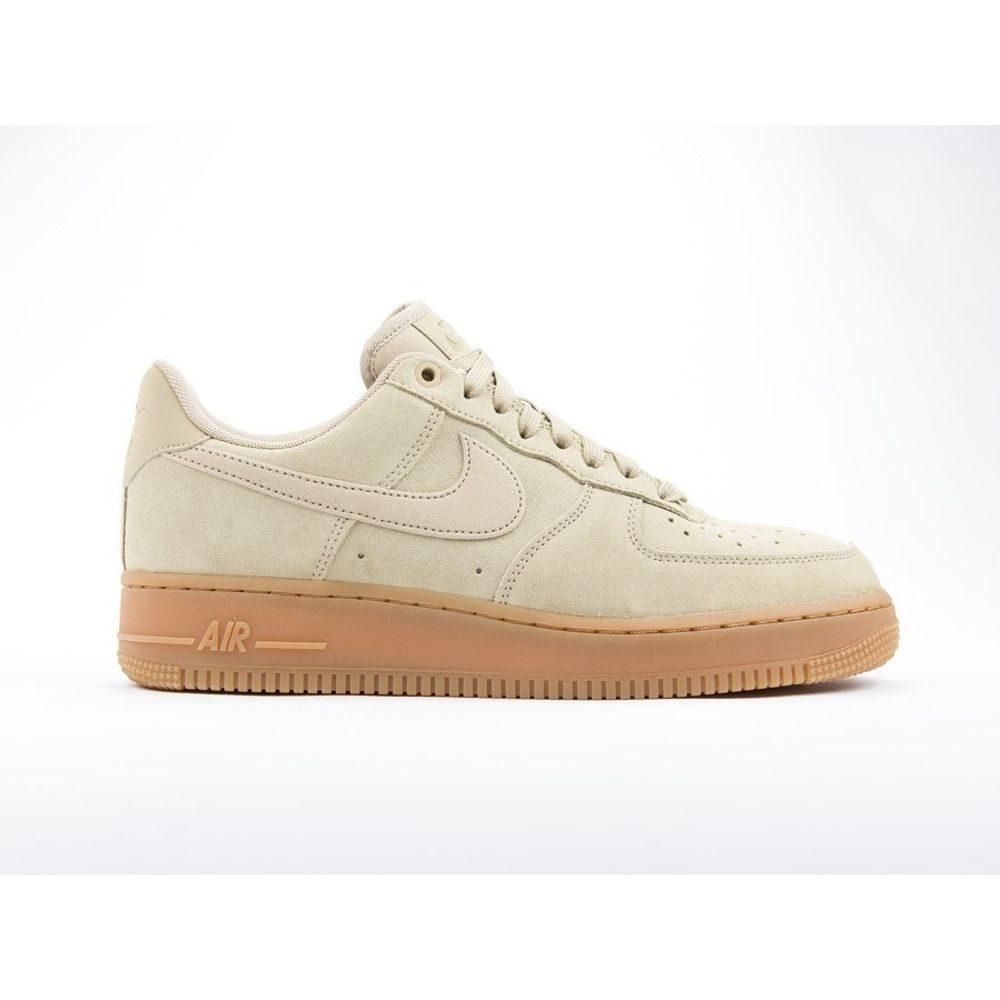 5ec2b2d99e591 Zapatillas Nike Air Force 1 07 LV8 Suede Mushroom De hombre - woker